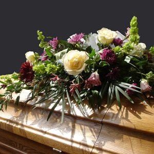 Hautajaiskukat ja surusidonnat | Kukka Kerttuli • Hallituskatu 13, Tampere